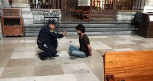 https://elsemanario.com/metropoli/205045/extranjero-ataca-a-sacerdote-en-catedral-metropolitana/