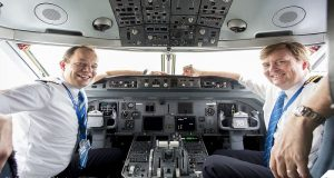 El rey Guillermo de Holanda lleva 21 años pilotando vuelos de pasajeros