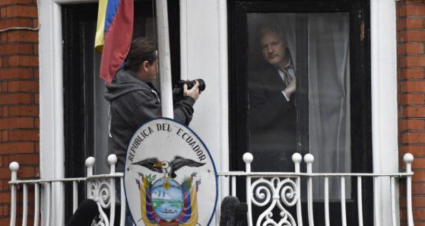 Suecia informó haber suspendido la investigación en contra de Julian Assange; el creador de Wikileaks podría salir de la Embajada de Ecuador en Londres donde se refugió desde 2012. A través de un comunicado, la Fiscalía de Suecia confirmó que la fiscal Marianne Ny decidió suspender la investigación preliminar por abuso sexual en contra de Julian Assange, abriéndose la posibilidad de que salga de su arraigo voluntario en territorio ecuatoriano; sin embargo, la investigación en su contra podría retomarse antes del 2020. Con la decisión de la fiscal sueca se podría estar confirmando el cierre definitivo de un proceso pendiente que llevó al creador de Wikileaks a pasar cinco años viviendo en las instalaciones de la Embajada ecuatoriana en Inglaterra, tras una amenaza de detención.