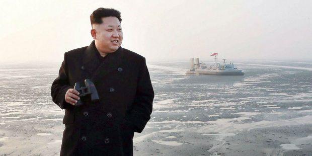 Corea del Norte y Estados Unidos tercera guerra mundial: nuevo lanzamiento de misil. Corea del Norte lanzó un misil balístico de corto alcance, último de una serie de desafíos a la presión mundial encabezada por Estados Unidos. De acuerdo a información referida por funcionarios de Corea del Sr, el misil parecía ser tipo Scud y alcanzó una altura de 450 kilómetros. El lanzamiento se registra en un momento en el que la tensión peninsular se intensifica ante las amenazas del gobierno norcoreano de desarrollar misiles de largo alcance que alcance territorio estadounidense.