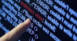 Un ciberataque global sin precedentes denominado Adylkuzz, amenaza la moneda virtual. Alrededor de 200 mil usuarios han sido afectados en todo el mundo. A pocos días de haberse registrado el ciberataque global WannaCry, que afectó el ordenador de alrededor de 300 mil usuarios en 150 países, un nuevo ataque llamado AdylKuzz busca infectar de manera más discreta a los ordenadores y amenazar con robar moneda virtual. De acuerdo a información de la agencia AFP, este 'malware' se instala en equipos accesibles a través de la misma vulnerabilidad de Windows utilizada por WannaCry, y crea, de manera invisible, unidades de una moneda virtual ilocalizable llamada Monero, comparable al Bitcoin.