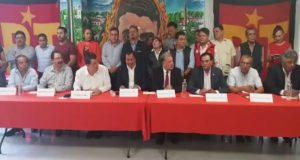 González Yáñez del PT, declina a favor de Delfina Gómez en la elección del Edomex