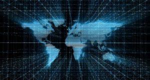 Controlan Ciberataque global, pero expertos advierten sobre nuevos hackeos El ciberataque global sin precedentes registrado a nivel mundial el viernes está siendo controlado satisfactoriamente, pero experto advierten de nuevos ataques. Después de que el viernes 12 de mayo se registrara un ataque cibernético global y afectara principalmente a países de Europa y Asia, parece haberse desactivado un día después, pero expertos en seguridad advierten de futuros ataques de igual o mayor magnitud. A través de herramientas de espionaje presuntamente desarrolladas por la Agencia Nacional de Seguridad de Estados Unidos (NSA, por sus siglas en inglés), xtorsionadores engañaron a las víctimas para que abrieran archivos maliciosos adjuntos en correos electrónicos que parecían contener facturas, ofertas de trabajo, advertencias de seguridad u otros archivos legítimos.