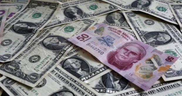 El peso se devalúa por elecciones presidenciales y negociaciones del TLCAN, lo que ha ocasionado que abril sea un mes en donde mayores pérdidas registra e incluso, algunos días ha rebasado la frontera de los 19 por dólar.