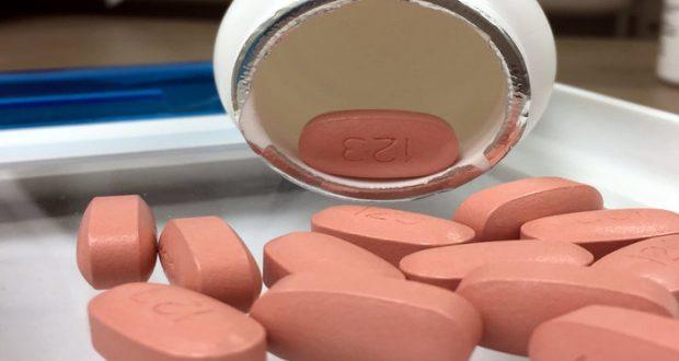 Los fármacos antirretrovirales disponibles hoy en día pueden ayudar a los pacientes a vivir casi los mismos años que una persona sana.