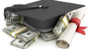 universitarios gastos