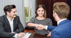 Los vendedores ayudan a sus clientes a satisfacer sus necesidades y tener mejor calidad de vida