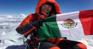 Mexicana conquista el Everest; es la séptima en hacerlo