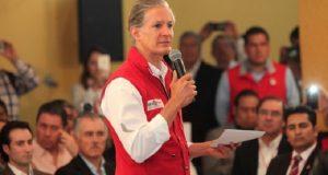 Alfredo del Mazo ofrece empleo a Juan Zepeda