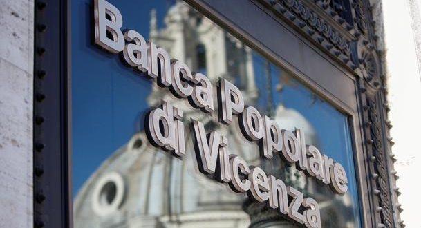 """El Consejo de Ministros italiano aprobó el rescate de los bancos Popolare di Vicenza y Veneto Banca, a los que destinó 5.2 mil millones de euros para garantizar su apertura este lunes, aunque en total podrá """"movilizar"""" hasta 17 mil milones de euros como garantía."""