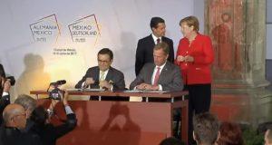 México y Alemania firmaron una serie de acuerdos con los que se fortalece la relación bilateral y se busca impulsar la formación dual 4.0 y la Industria 4.0. La canciller de Alemania, Angela Merkel, y el presidente de México, Enrique Peña Nieto, encabezaron la firma de tres acuerdos de colaboración entre naciones.