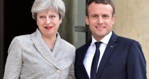 Theresa May y Emmanuel Macron