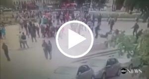 Una cámara de seguridad grabó el ataque en la catedral de Notre Dame