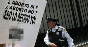 """""""El aborto es un derecho irracional"""", asegura el diputado panista Montiel Solana"""