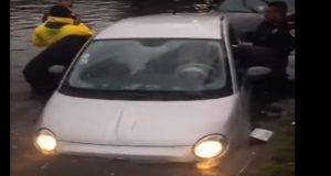 auto lluvia