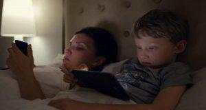 Advierten que utilizar dispositivos electrónicos en la madrugada genera trastornos del sueño