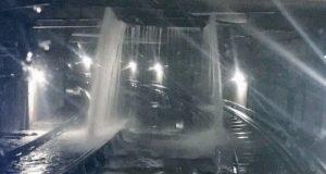 Suspenden servicio en Línea 2 del Metro por inundación en las vías