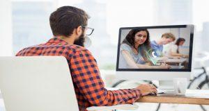 Usa videoconferencias y llamadas vía Internet para reducir gastos y aprovechas las herramientas digitales que son cada vez más accesibles y funcionales para todas las personas.