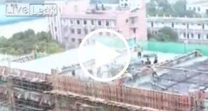 Un edificio se colapsa mientras varios obreros laboraban allí [Video]