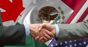 México llega a la negociación del TLCAN con equipo de ligas mayores La Iniciativa Privada y el gobierno de México llegan a la mesa de negociación del TLCAN con un equipo conformado por la firma más poderosa de cabildeo de Estados Unidos. El Concejo Coordinador Empresarial contrató los servicios de asesorías de la firma Akin, Gymp, Strauss Heuer y Feld; para asistirle en el cabildeo con instancias legislativas y ejecutivas del gobierno de Estados Unidos en la mesa de negociación del Tratado de Libre Comercio de América del Norte (TLCAN). La negociación del acurdo comercial más importante para la economía mexicana, dará inicio en el mes de agosto y la Iniciativa Privada (IP) buscó respaldarse con el corporativo reconocido en 2016 como la empresa de derecho más exitosa en Estados Unidos y que en su lista de reconocidos clientes destaca: Amazon, American Airlines, Anheuser Busch InBev, AT&T, Boeing, Chevron, Eastman Chemical y Cox Enterprises.