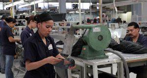Confianza empresarial en México 2017: Sector manufacturero sube en junio La confianza empresarial en México se registra desigual en junio. La confianza de empresarios manufactureros mejora, mientras que la de los de consumo y construcción va a la baja.