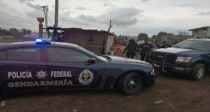 """Policía Federal desmantela puntos de venta de """"huachicol"""" en el Edomex"""