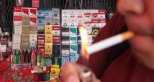 Debido a la posibilidad de acceder a ellos en el mercado informal, los cigarros ilegales son un atractivo y un riesgo para niños y adolescentes.