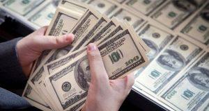 ¿El dinero da felicidad o es pura vanidad? Estudios revelan que ninguna de las dos ya que aquellos que logran tener una estabilidad financiera prominente no significa que se sientan plenos y totalmente satisfechos.