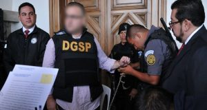 Juez suspenden dos órdenes de aprehensión contra Javier Duarte