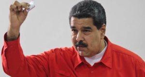 Maduro va a votar pero no se encuentra en el padrón electoral: VIDEO
