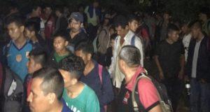 Rescatan a 147 migrantes centroamericanos en tráiler en Veracruz