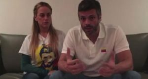 Tras una semana preso, trasladan de nueva cuenta a su casa a Leopoldo López
