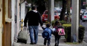 Alertan del incremento de lesiones de espalda en estudiantes por el uso de mochilas pesadas