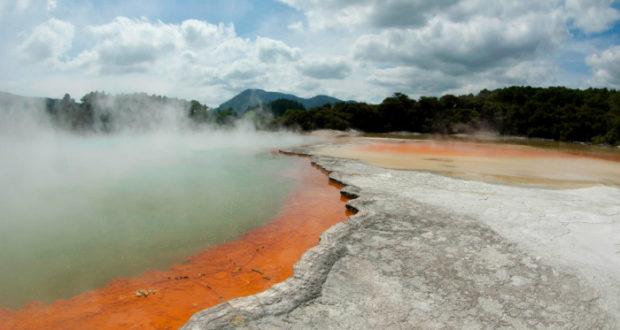 Visita Nueva Zelanda y sus famosas agua termales