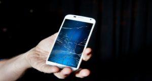 Motorola patenta una pantalla que puede reparar por si mismos sus grietas
