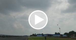 Dos aviones del ejercito mexicano chocan durante una acrobacia [Video]