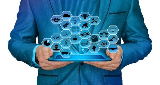El mercado exige a las empresas adopción de tecnología para crecer ya que esto reduce los costos y además de mejorar la atención a clientes.