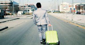 Más allá de lo emocionante que pueda resultar, conoce las ventajas y desventajas de aceptar un trabajo en el extranjero y valóralas si este es tu caso.