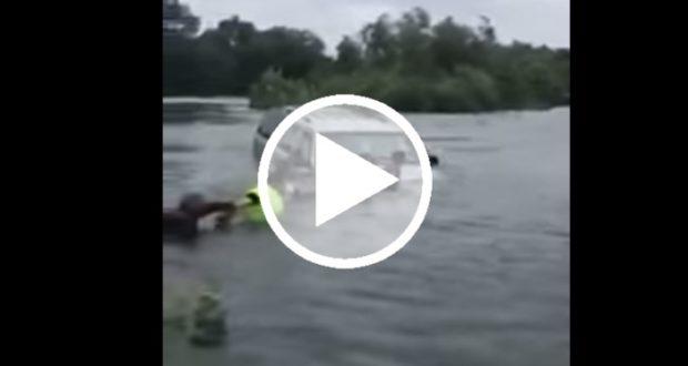 Crean una cadena humana para rescatar a un hombre atrapado en un rió [Video]