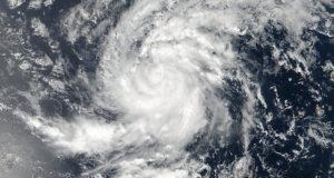 Huracán Irma mapas y trayectoria en el Caribe. Irma se fortalece en aguas del Atlántico incrementando su fuerza a huracán categoría 5, rumbo a Puerto Rico y Florida. Con vientos de hasta 281 kilómetros por hora (km/h), Irma es un titán en el Atlántico con dirección a las islas Leeward con movimientos hacia el oeste, manteniendo alerta máxima en Puerto Rico y Florida.