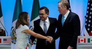 Negociación TLCAN podría dar solución a temas claves dijo Ildefonso Guajardo. Ottawa podría ser testigo de grandes avances en la negociación del TLCAN con la solución a temas claves para el comercio entre los tres países. La ronda 3 de la negociación del Tratado de Libre Comercio de América del Norte (TLCAN) está a la puerta y Canadá se prepara para ser el anfitrión de las mesas en las que temas relevantes para el comercio podrían definirse.