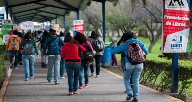 OCDE destaca avances en Educación, pero México sigue siendo el país en el que menos jóvenes van a la universidad