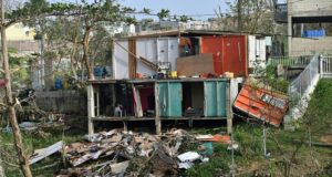 Puerto Rico siguen esperando ayuda tras el devastador paso de María