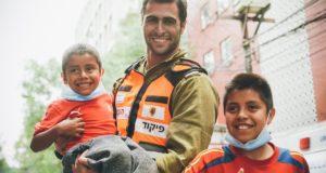 Niños mexicanos agradecen a rescatista israelí su ayuda