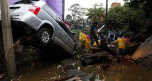 Katia, que hace un par de días era huracán categoría dos, tocó tierra en Veracruz y Puebla como depresión tropical. No obstante, se reportan hasta el momento dos muertos y varios municipios afectados.