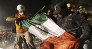La economía mexicana resiste embates externos y desastres naturales, luego de los sismos de septiembre, aseguró la Secretaría de Hacienda y Crédito Público.