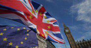 """El Reino Unido a tiempo de anular el Brexit. De fracasar las negociaciones con la Unión Europea, las empresas deberán prepararse para un """"Hard Brexit"""""""
