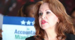Candidata de Florida dice que fue secuestrada por extraterrestres