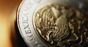 Peso mexicano en picada de cara a la cuarta ronda del TLCAN. El peso mexicano suma cinco jornadas de caída frente al dólar en reacción al nerviosismo de los mercados de cara al arranque de la cuarta ronda de negociación del TLCAN.