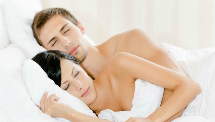 Los beneficios que proporciona al cuerpo humano durmiendo desnudo